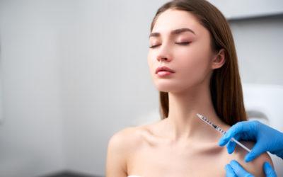 Falten an Hals und Decollte? Welche Therapieoptionen gibt es?